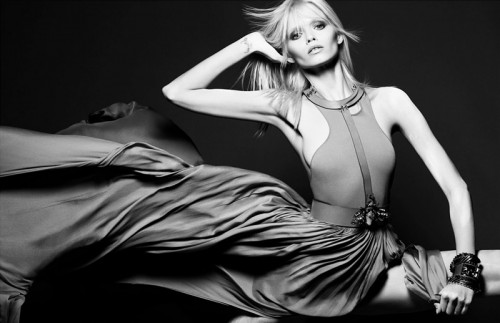 Physical  Abbey Lee Kershaw by Tom Munro for Numéro No. 123 May 2011