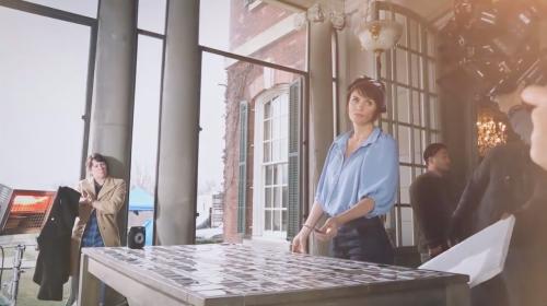 Кадр из рекламного фильма instax SQUARE SQ10