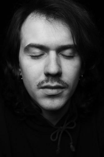 Александр Елсаков, Промо-бюро «Теснота». Фотограф – Максим Лоскутов
