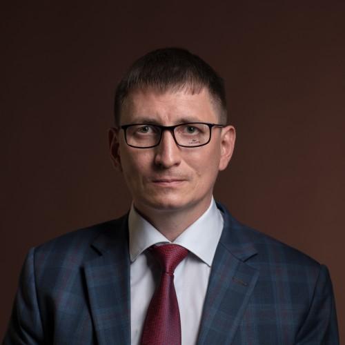 Прямоугольная оправа. Алексей Силиванов, фото — Дмитрий Чабанов.