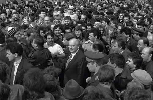 Президент СССР Михаил Горбачев в Свердловске. 1990 год. Фото И.Галерта (Архив автора)